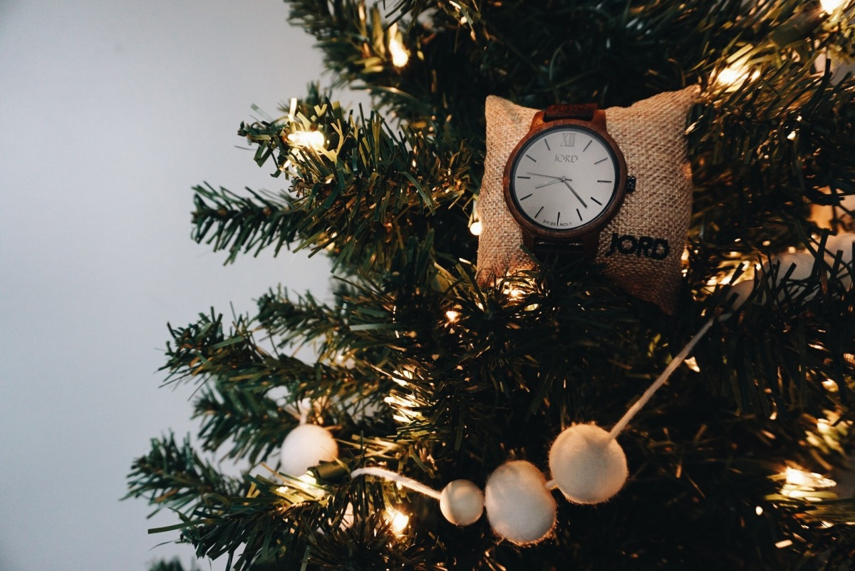 accessorizing this holiday season | feat. jord watches